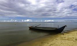 水和天空在Khanka的一种颜色合并 免版税库存照片