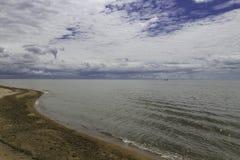 水和天空在Khanka的一种颜色合并 库存图片