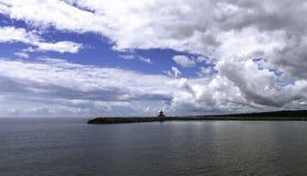 水和天空在Khanka的一种颜色合并 库存照片