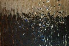 水和飞溅的声音从喷泉下降或瀑布总是有对我们的心情的安慰性的作用 库存照片