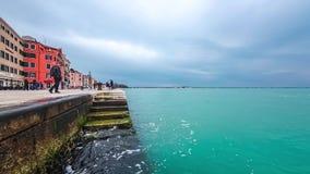 水在圣Marco前面的出租汽车和公共汽车交通Timelapse在拉古纳Veneta威尼斯意大利4K摆正 股票视频