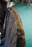 水坝瀑布 免版税图库摄影