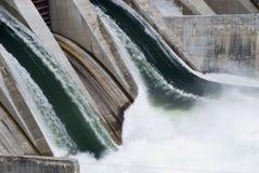水坝电生成器水力发电 免版税库存图片