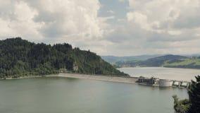 水巨型具体水坝,水力发电的发电站 股票录像