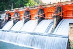 水库吸引力Kiu洛姆水坝 库存照片