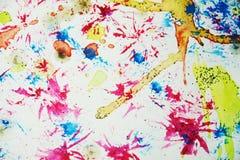 水彩五颜六色的迷离蜡状的五颜六色的形状和闪耀的光,抽象背景 免版税库存图片