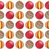 水彩红色,绿色和黄色在白色背景的颜色无缝的样式圣诞节球  库存照片