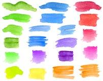 水彩绿色,蓝色,红色,黄色刷子冲程,污迹集合 手拉的五颜六色的在白色隔绝的水彩画条纹和污点 库存图片