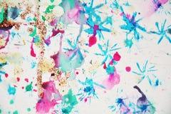 水彩蓝色软的五颜六色的形状和闪耀的光,抽象背景 库存照片