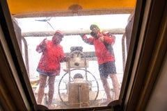 水手到雨里 图库摄影