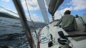 水手参加在希腊海岛群中的航行赛船会第20 Ellada秋天2018年在爱琴海 影视素材