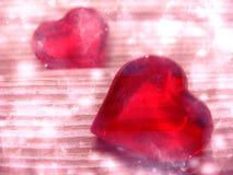 水晶两宝石心脏华伦泰` s天爱假日概念后面 免版税库存照片