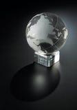 水晶地球球 免版税图库摄影