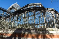 水晶宫在Retiro公园在市马德里,西班牙 库存照片