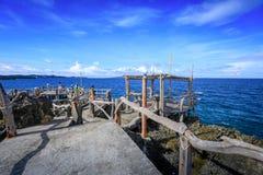 水晶小海湾看法,是一个小海岛吸引游览 免版税库存照片