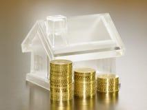 水晶房子货币 免版税图库摄影