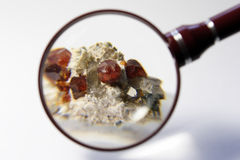 水晶石榴石矿物 库存照片