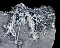 水晶辉锑矿 免版税库存照片