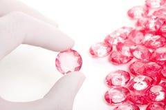 水晶金刚石现有量保留理想的粉红色 免版税库存照片