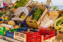 水果和蔬菜显示在市Castel di Tusa 免版税库存图片