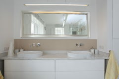 水槽在卫生间里 图库摄影