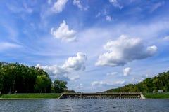水水坝 免版税库存图片