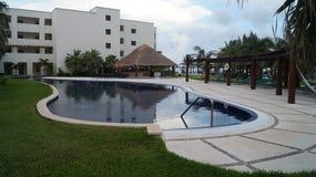 水池和休息室的地区手段2 免版税图库摄影