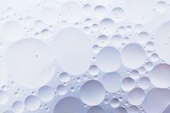 水油泡影宏观抽象背景流程液体白色水色照片  库存图片