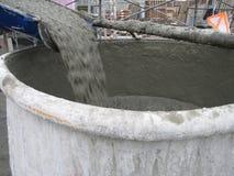 水泥倾吐 免版税图库摄影