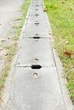 水泥盖子下水道 免版税库存照片