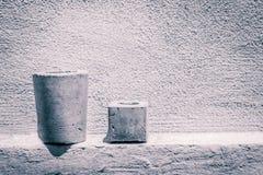 水泥罐和墙壁照片 图库摄影