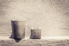 水泥罐和墙壁照片 库存照片
