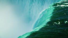 水流程落入深渊 尼亚加拉河和尼亚加拉大瀑布 4K 10位录影 股票视频