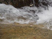 水流量在河 免版税图库摄影