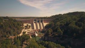 水电站和水坝的鸟瞰图在西班牙 影视素材