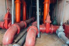 水管道在水处理厂 免版税库存图片