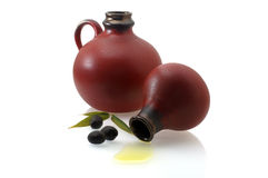 水罐上油老橄榄二 免版税库存照片