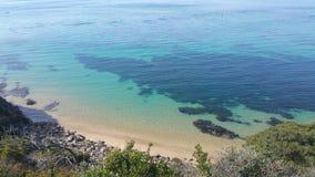 水色蓝色海湾 库存照片