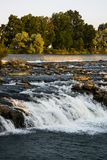 水落在岩石在爱达荷 免版税图库摄影