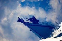 水表面上的航行 免版税库存图片