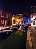 水运河在晚上 库存照片