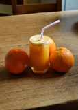 汁液自然桔子 库存照片