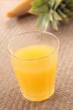 汁液菠萝 库存照片