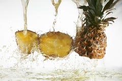 汁液菠萝 免版税库存照片
