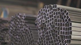 求积分法钢外形管子,金属化skal 清洗,金属仓库,金属外形堆积在行 影视素材