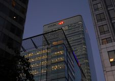 汇丰大厦在金丝雀码头 免版税库存照片