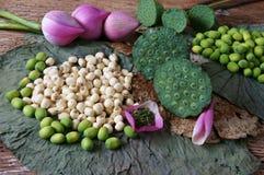 汇集莲花,种子,茶,健康食物 免版税库存图片