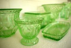 汇集:葡萄酒20世纪30年代绿色玻璃碗 免版税图库摄影