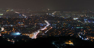 汉城市在冬天夜 免版税库存图片