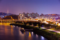 汉城市在晚上 免版税库存照片